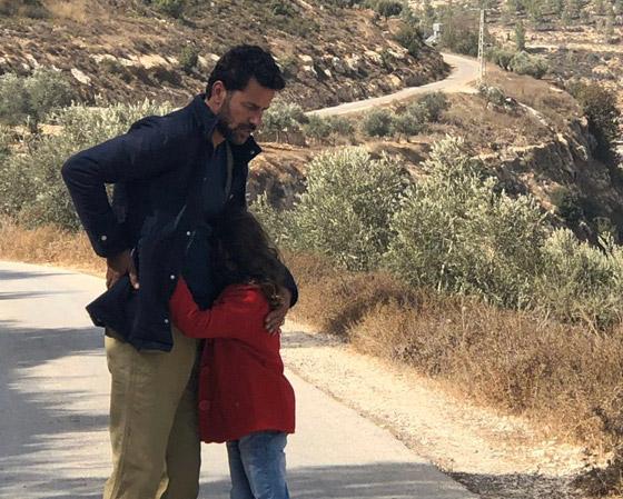 صورة رقم 5 - فلسطين تشق طريقها نحو الأوسكار بـ(الهدية).. قصة حقيقية وظهور خاص للجدار العازل