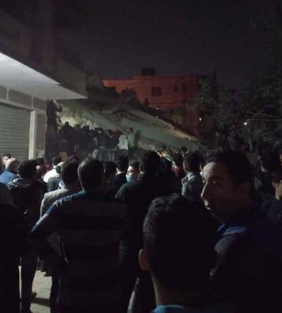 صورة رقم 1 - بالفيديو والصور.. انهيار عقار من 10 طوابق في القاهرة