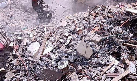 صورة رقم 6 - بالفيديو والصور.. انهيار عقار من 10 طوابق في القاهرة