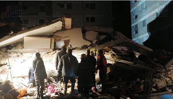 صورة رقم 7 - بالفيديو والصور.. انهيار عقار من 10 طوابق في القاهرة
