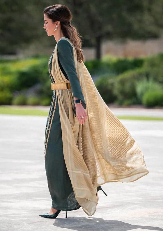 صورة رقم 13 - الثوب الأردني التقليدي على الملكة رانيا: التراث الأصيل في أبهى صوره