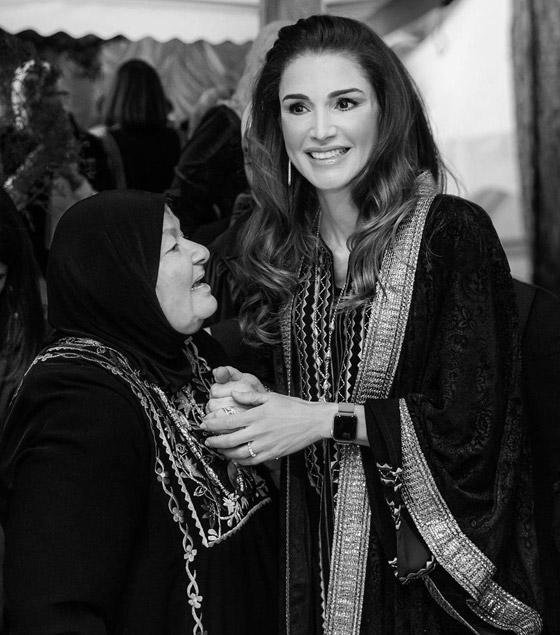 صورة رقم 16 - الثوب الأردني التقليدي على الملكة رانيا: التراث الأصيل في أبهى صوره