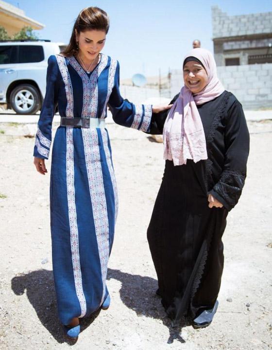 صورة رقم 23 - الثوب الأردني التقليدي على الملكة رانيا: التراث الأصيل في أبهى صوره