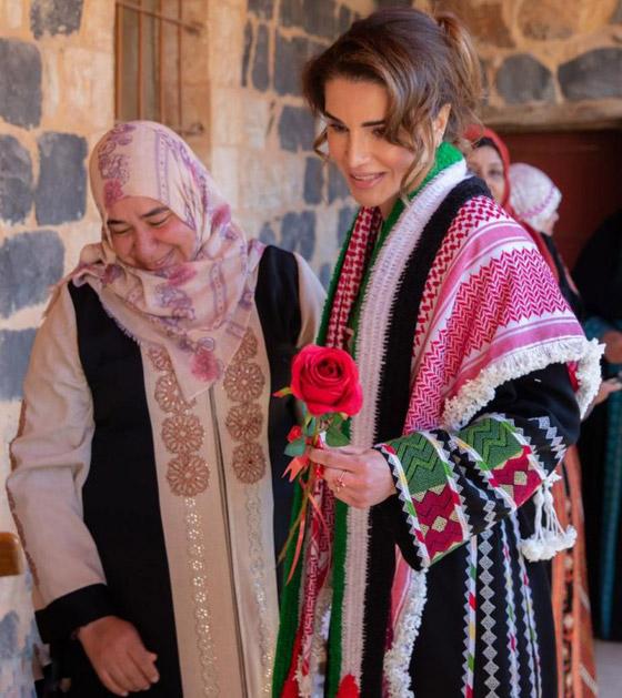 صورة رقم 26 - الثوب الأردني التقليدي على الملكة رانيا: التراث الأصيل في أبهى صوره