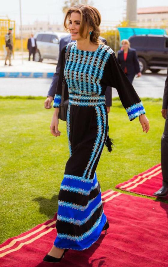 صورة رقم 27 - الثوب الأردني التقليدي على الملكة رانيا: التراث الأصيل في أبهى صوره
