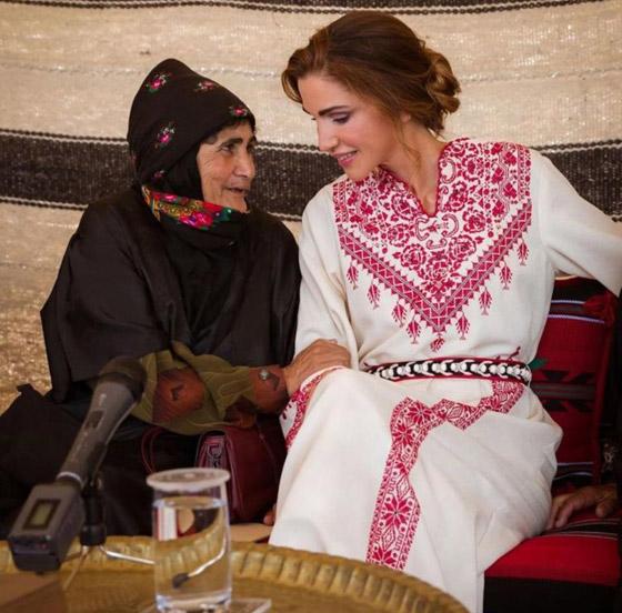 صورة رقم 29 - الثوب الأردني التقليدي على الملكة رانيا: التراث الأصيل في أبهى صوره