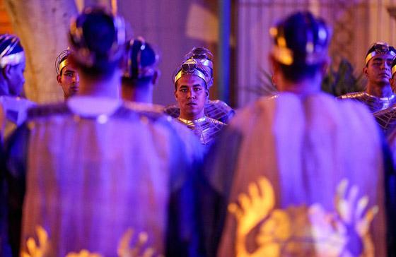 صورة رقم 19 - الرحلة الذهبية: مشهد تاريخي لنقل المومياوات المصرية الملكية بموكب مهيب