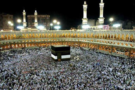 صورة رقم 6 - شرط أن يتلقوا اللقاح.. السعودية ترفع عدد المسموح لهم بالعمرة والمصلين بالمسجد الحرام في رمضان