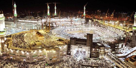 صورة رقم 7 - شرط أن يتلقوا اللقاح.. السعودية ترفع عدد المسموح لهم بالعمرة والمصلين بالمسجد الحرام في رمضان