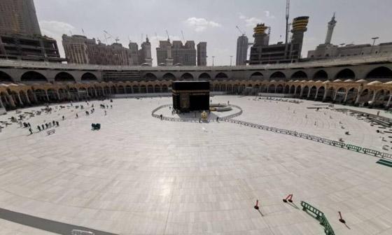 صورة رقم 1 - شرط أن يتلقوا اللقاح.. السعودية ترفع عدد المسموح لهم بالعمرة والمصلين بالمسجد الحرام في رمضان
