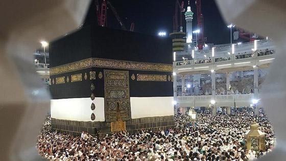 صورة رقم 8 - شرط أن يتلقوا اللقاح.. السعودية ترفع عدد المسموح لهم بالعمرة والمصلين بالمسجد الحرام في رمضان