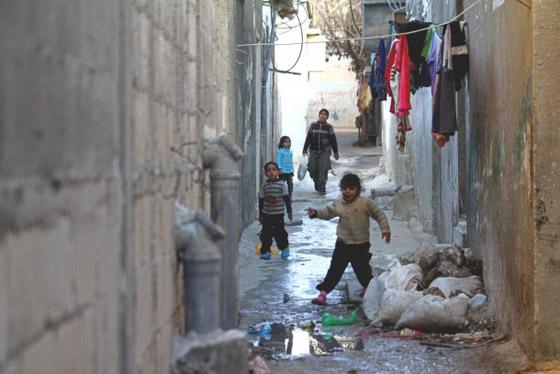 صورة رقم 3 - لجأوا إلى المخيمات.. لبنانيون ينتقلون للعيش في مخيمات اللاجئين الفلسطينيين