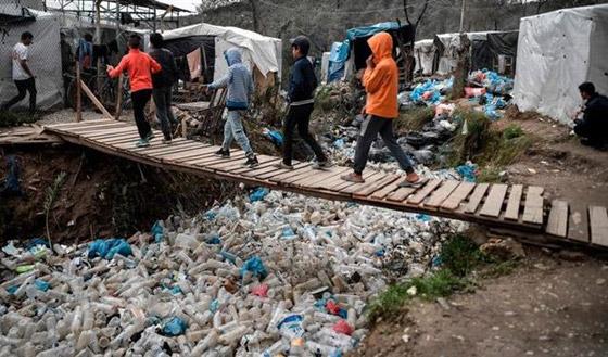 صورة رقم 4 - لجأوا إلى المخيمات.. لبنانيون ينتقلون للعيش في مخيمات اللاجئين الفلسطينيين
