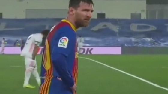 صورة رقم 1 - انظر إلى ميسي وهو يرتجف أثناء المباراة مع ريال مدريد