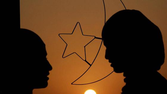 صورة رقم 1 - دول عربية تعلن أول أيام رمضان.. وأخرى تتحرى الليلة