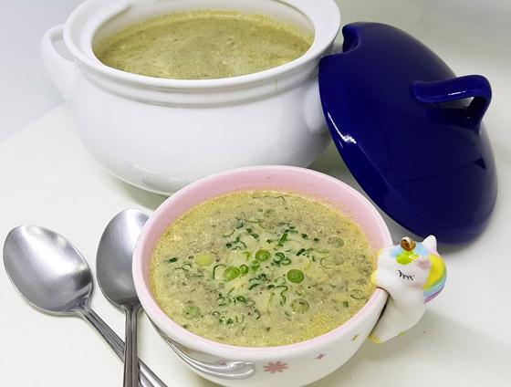 صورة رقم 8 - إليكم طريقة تحضير شوربة البصل الأخضر اللذيذة لسفرة إفطار رمضان