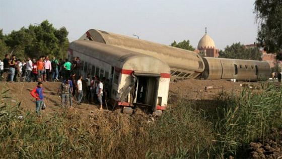 صورة رقم 1 - حادث قطار طوخ: 11 قتلى و100 جرحى بثالث حادث قطارات في مصر خلال شهر