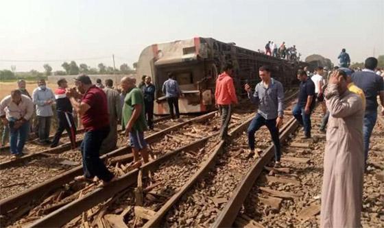صورة رقم 2 - حادث قطار طوخ: 11 قتلى و100 جرحى بثالث حادث قطارات في مصر خلال شهر