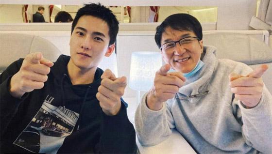 صورة رقم 7 - جاكي شان يتبرع بكامل ثروته ويحرم ابنه الوحيد من أمواله!