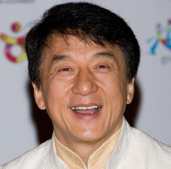 صورة رقم 15 - جاكي شان يتبرع بكامل ثروته ويحرم ابنه الوحيد من أمواله!