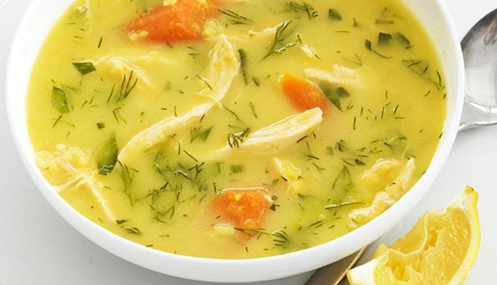 صورة رقم 2 - حساء الأرز  والدجاج بالكاري: طبق دافئ على سفرتك