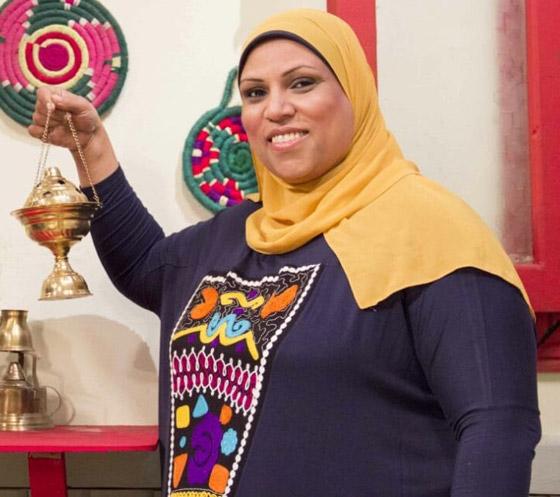 صورة رقم 5 - طباخة مصرية تثير تفاعلا واسعا.. كيف ردت على متصل أهانها على الهواء؟