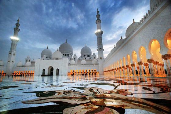 صورة رقم 1 - بالصور: تعرفوا إلى أجمل 10 مبان إسلامية مميزة حول العالم