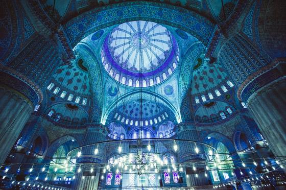صورة رقم 2 - بالصور: تعرفوا إلى أجمل 10 مبان إسلامية مميزة حول العالم