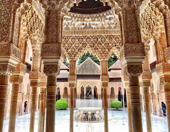 صورة رقم 3 - بالصور: تعرفوا إلى أجمل 10 مبان إسلامية مميزة حول العالم