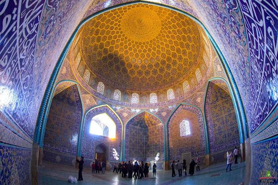 صورة رقم 4 - بالصور: تعرفوا إلى أجمل 10 مبان إسلامية مميزة حول العالم