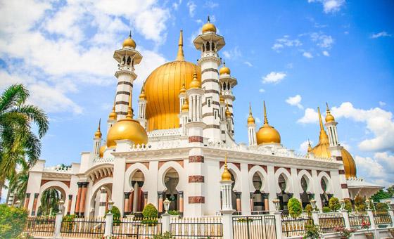 صورة رقم 8 - بالصور: تعرفوا إلى أجمل 10 مبان إسلامية مميزة حول العالم