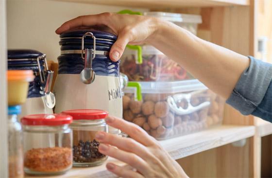 صورة رقم 10 - 20 حيلة بسيطة لإبقاء مطبخك نظيفا ومرتبا.. لن تأخذ منك أكثر من دقائق!