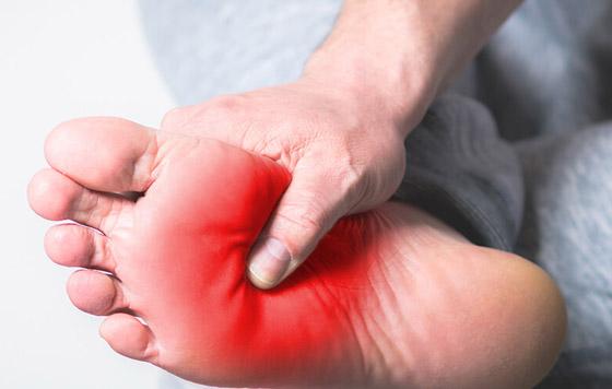 صورة رقم 3 - تعرفوا إلى 10 طرق سهلة وبسيطة لتخفيف آلام القدمين والتهاب العظام