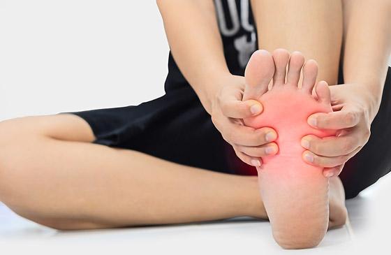 صورة رقم 7 - تعرفوا إلى 10 طرق سهلة وبسيطة لتخفيف آلام القدمين والتهاب العظام