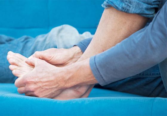 صورة رقم 2 - تعرفوا إلى 10 طرق سهلة وبسيطة لتخفيف آلام القدمين والتهاب العظام