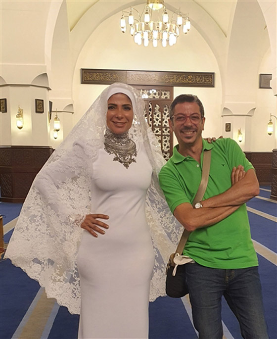 صورة رقم 1 - مصمم فستان زفاف منى زكي في