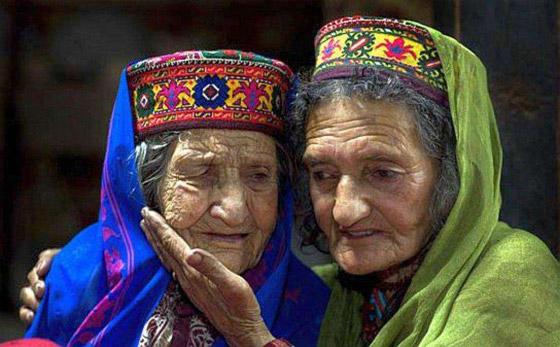 صورة رقم 1 - قبيلة هونزا المسلمة التي لا تشيب.. حيث الشباب في عمر الـ70