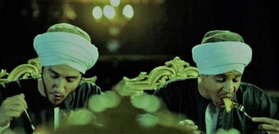 صورة رقم 6 - من اخطاء مسلسلات رمضان: صعايدة 5 نجوم! أكل المحشي بالشوكة والسكينة يعرض مالك وداش للسخرية