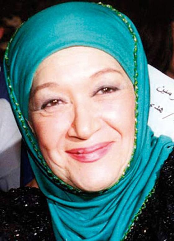 صورة رقم 10 - نجوم الفن في رمضان: السقا صلاة وقرآن، ليلى علوي تعشق السهر  وإلهام شاهين بالمنزل!