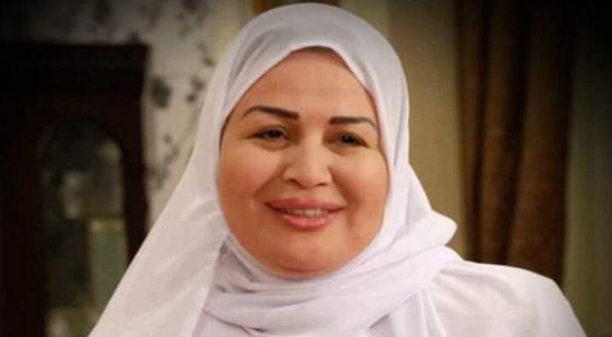 صورة رقم 2 - نجوم الفن في رمضان: السقا صلاة وقرآن، ليلى علوي تعشق السهر  وإلهام شاهين بالمنزل!