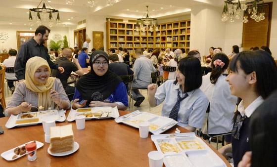 صورة رقم 6 - رمضان حول العالم: كيف يقضي مسلمو اليابان ايام الشهر الكريم؟