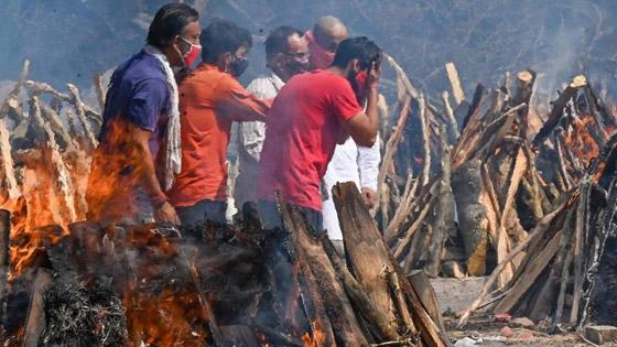 معدل مرعب في الهند.. 300 ألف إصابة بكورونا لليوم الثاني عشر صورة رقم 2