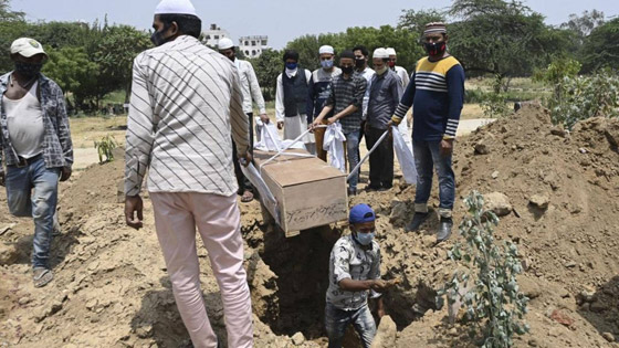 معدل مرعب في الهند.. 300 ألف إصابة بكورونا لليوم الثاني عشر صورة رقم 10