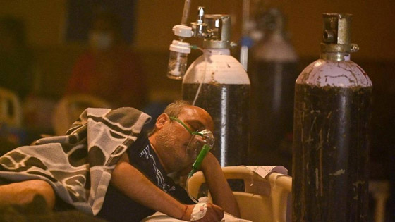 معدل مرعب في الهند.. 300 ألف إصابة بكورونا لليوم الثاني عشر صورة رقم 1
