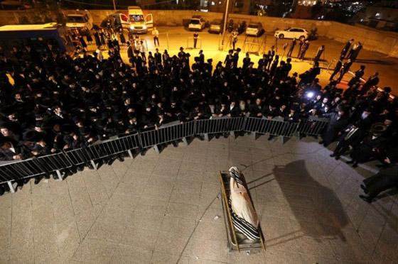 صورة رقم 2 - يوم حداد عام في إسرائيل على ضحايا حادث التدافع المأساوي