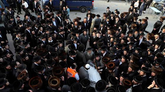 صورة رقم 11 - يوم حداد عام في إسرائيل على ضحايا حادث التدافع المأساوي