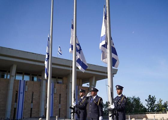 صورة رقم 5 - يوم حداد عام في إسرائيل على ضحايا حادث التدافع المأساوي