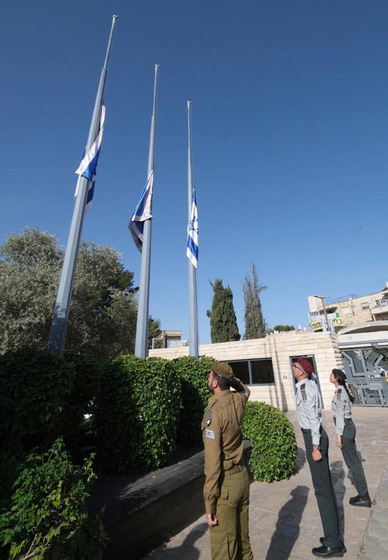 صورة رقم 13 - يوم حداد عام في إسرائيل على ضحايا حادث التدافع المأساوي