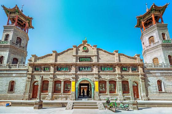 صورة رقم 6 - مسجد داتونج فى الصين.. مبنى رائع يدمج الفن المعماري الإسلامي باللمسات الصينية