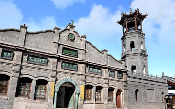 صورة رقم 7 - مسجد داتونج فى الصين.. مبنى رائع يدمج الفن المعماري الإسلامي باللمسات الصينية